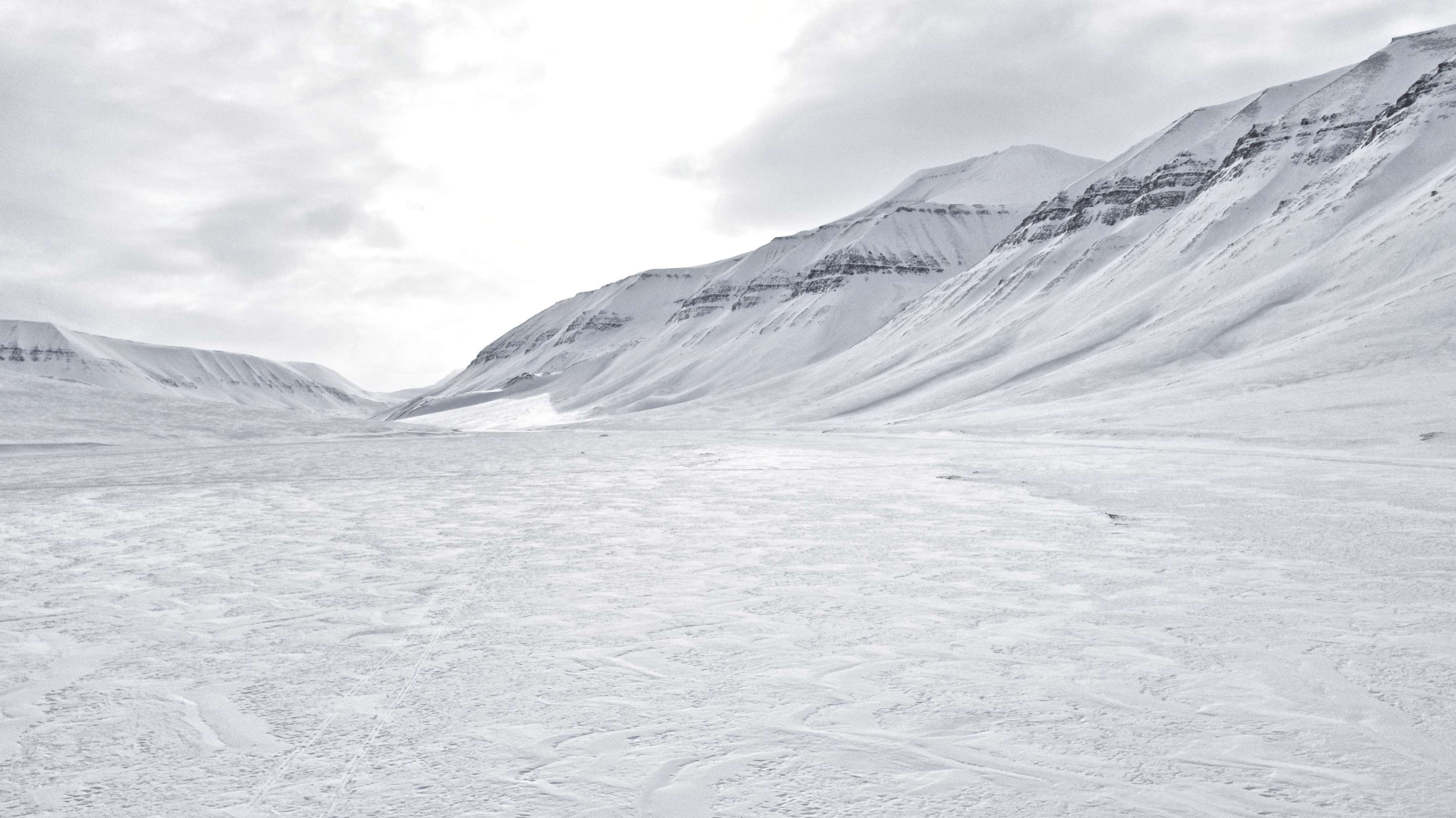 Icy and frozen Svalbard landscape